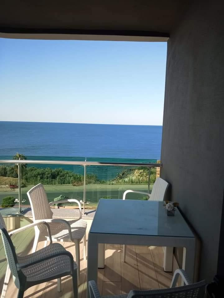Квартира 1+1 с великолепным видом на море в Каргыджаке